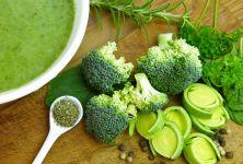 Brokolice na talíři - proč je tak zdravá?